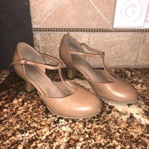 Bloch Lightly used theater dance heels nude 7.5